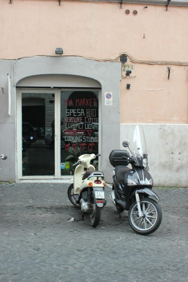 Mia market, Monti